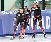 Subject: Bente Pflug, Gabriele Hirschbichler, Roxanne Dufter; Tags: Athlet, Athlete, Sportler, Wettkämpfer, Sportsman, Bente Kraus, Damen, Ladies, Frau, Mesdames, Female, Women, Eisschnelllauf, Speed skating, Schaatsen, GER, Germany, Deutschland, Gabriele Hirschbichler, Roxanne Dufter, Sport; PhotoID: 2017-03-11-0041