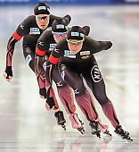 Subject: Bente Pflug, Gabriele Hirschbichler, Roxanne Dufter; Tags: Athlet, Athlete, Sportler, Wettkämpfer, Sportsman, Bente Kraus, Damen, Ladies, Frau, Mesdames, Female, Women, Eisschnelllauf, Speed skating, Schaatsen, GER, Germany, Deutschland, Gabriele Hirschbichler, Roxanne Dufter, Sport; PhotoID: 2017-03-11-0265
