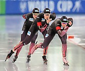 Subject: Bente Pflug, Gabriele Hirschbichler, Roxanne Dufter; Tags: Athlet, Athlete, Sportler, Wettkämpfer, Sportsman, Bente Kraus, Damen, Ladies, Frau, Mesdames, Female, Women, Eisschnelllauf, Speed skating, Schaatsen, GER, Germany, Deutschland, Gabriele Hirschbichler, Roxanne Dufter, Sport; PhotoID: 2017-03-11-0266