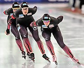 Subject: Bente Pflug, Gabriele Hirschbichler, Roxanne Dufter; Tags: Athlet, Athlete, Sportler, Wettkämpfer, Sportsman, Bente Kraus, Damen, Ladies, Frau, Mesdames, Female, Women, Eisschnelllauf, Speed skating, Schaatsen, GER, Germany, Deutschland, Gabriele Hirschbichler, Roxanne Dufter, Sport; PhotoID: 2017-03-11-0267