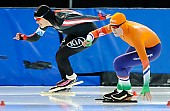 Subject: Béatrice Lamarche, Femke Beuling; Tags: Sport, NED, Netherlands, Niederlande, Holland, Dutch, Femke Beuling, Eisschnelllauf, Speed skating, Schaatsen, Damen, Ladies, Frau, Mesdames, Female, Women, CAN, Canada, Kanada, Béatrice Lamarche, Athlet, Athlete, Sportler, Wettkämpfer, Sportsman; PhotoID: 2018-03-09-0205
