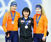 Subject: Jutta Leerdam, Kurumi Inagawa, Michelle de Jong; Tags: Sport, Siegerehrung, Victory ceremony, Preisverleihung, Ehrung, Award ceremony, Award, Prize Giving, NED, Netherlands, Niederlande, Holland, Dutch, Michelle de Jong, Kurumi Inagawa, Jutta Leerdam, JPN, Japan, Nippon, Eisschnelllauf, Speed skating, Schaatsen, Detail, Damen, Ladies, Frau, Mesdames, Female, Women, Athlet, Athlete, Sportler, Wettkämpfer, Sportsman; PhotoID: 2018-03-09-0283