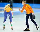 Subject: Jetske Wiersma, Michelle de Jong; Tags: Trainer, Coach, Betreuer, Sport, NED, Netherlands, Niederlande, Holland, Dutch, Michelle de Jong, Jetske Wiersma, Eisschnelllauf, Speed skating, Schaatsen, Damen, Ladies, Frau, Mesdames, Female, Women, Athlet, Athlete, Sportler, Wettkämpfer, Sportsman; PhotoID: 2018-03-09-0622