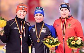 Subject: Bente Pflug, Claudia Pechstein, Stephanie Beckert; Tags: Stephanie Beckert, Sport, Siegerehrung, Victory ceremony, Preisverleihung, Ehrung, Award ceremony, Award, Prize Giving, GER, Germany, Deutschland, Eisschnelllauf, Speed skating, Schaatsen, Detail, Damen, Ladies, Frau, Mesdames, Female, Women, Claudia Pechstein, Bente Pflug, Athlet, Athlete, Sportler, Wettkämpfer, Sportsman; PhotoID: 2018-11-04-0274