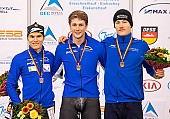 Subject: Felix Maly, Fridtjof Petzold, Jeremias Marx; Tags: Sport, Siegerehrung, Victory ceremony, Preisverleihung, Ehrung, Award ceremony, Award, Prize Giving, Jeremias Marx, Herren, Men, Gentlemen, Mann, Männer, Gents, Sirs, Mister, GER, Germany, Deutschland, Fridtjof Petzold, Felix Maly, Eisschnelllauf, Speed skating, Schaatsen, Detail, Athlet, Athlete, Sportler, Wettkämpfer, Sportsman; PhotoID: 2018-11-04-0311