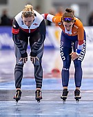 Motiv: Ireen Wüst, Natalia Czerwonka; Tags: Athlet, Athlete, Sportler, Wettkämpfer, Sportsman, Damen, Ladies, Frau, Mesdames, Female, Women, Eisschnelllauf, Speed skating, Schaatsen, Ireen Wüst, NED, Netherlands, Niederlande, Holland, Dutch, Natalia Czerwonka, POL, Poland, Polen, Sport; PhotoID: 2020-02-15-0211