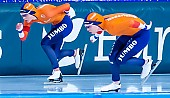 Motiv: Antoinette de Jong, Joy Beune; Tags: Antoinette de Jong, Athlet, Athlete, Sportler, Wettkämpfer, Sportsman, Damen, Ladies, Frau, Mesdames, Female, Women, Eisschnelllauf, Speed skating, Schaatsen, Joy Beune, NED, Netherlands, Niederlande, Holland, Dutch, Sport; PhotoID: 2021-02-11-0101