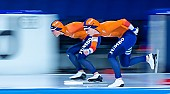 Motiv: Antoinette de Jong, Joy Beune; Tags: Antoinette de Jong, Athlet, Athlete, Sportler, Wettkämpfer, Sportsman, Damen, Ladies, Frau, Mesdames, Female, Women, Eisschnelllauf, Speed skating, Schaatsen, Joy Beune, NED, Netherlands, Niederlande, Holland, Dutch, Sport; PhotoID: 2021-02-11-0103