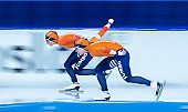 Motiv: Antoinette de Jong, Joy Beune; Tags: Antoinette de Jong, Athlet, Athlete, Sportler, Wettkämpfer, Sportsman, Damen, Ladies, Frau, Mesdames, Female, Women, Eisschnelllauf, Speed skating, Schaatsen, Joy Beune, NED, Netherlands, Niederlande, Holland, Dutch, Sport; PhotoID: 2021-02-11-0104
