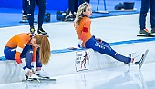 Motiv: Antoinette de Jong, Joy Beune; Tags: Antoinette de Jong, Athlet, Athlete, Sportler, Wettkämpfer, Sportsman, Damen, Ladies, Frau, Mesdames, Female, Women, Eisschnelllauf, Speed skating, Schaatsen, Joy Beune, NED, Netherlands, Niederlande, Holland, Dutch, Sport; PhotoID: 2021-02-11-0126